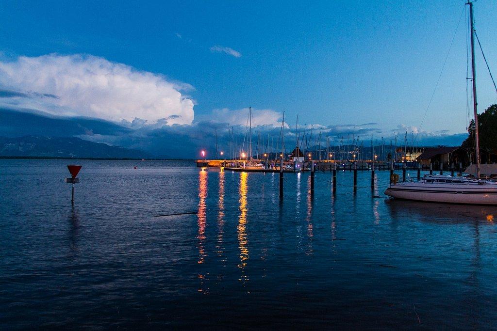 Segelhafen bei Nacht