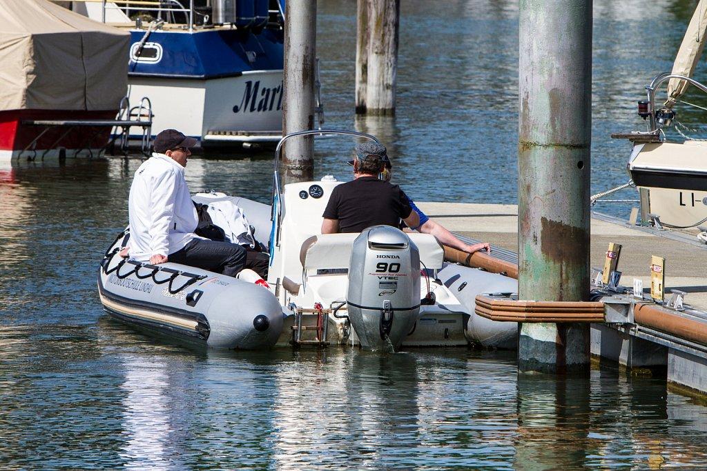 Segelschule Autenrieth beim Üben im Hafenbecken